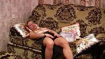 Russian mature pussyfingered and loves it