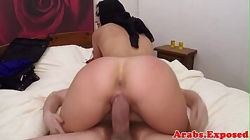 Arab babe only doth fuck his woman for money