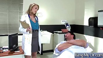 Bigtitted stepsis has hardcore with doctor