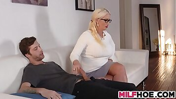 Mz and Ava get fucked