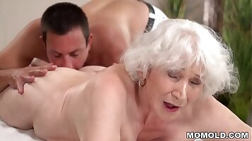 MOM Cocksucking on a hot massage table